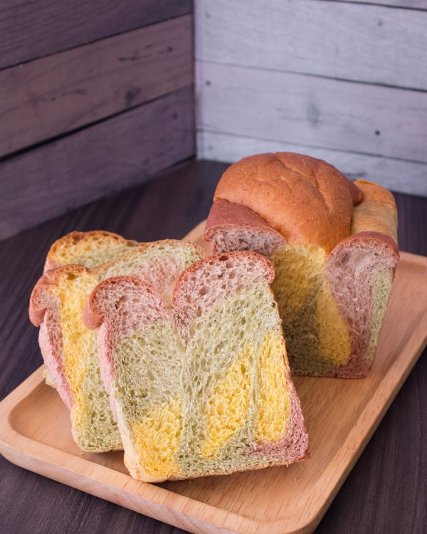 Photo of SIGNATURE 3 MUSKETEERS BREAD: 3 COLOURED